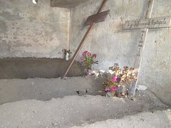 Grave - Kuburan (BEST PHOTO) Tags: apple grave yahoo screenshot flickr googlemaps map earth satellite maps googleearth bestphoto