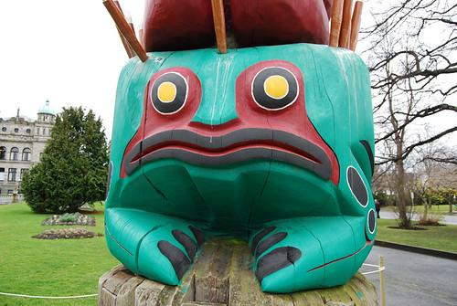 E14-Totem Pole Frog