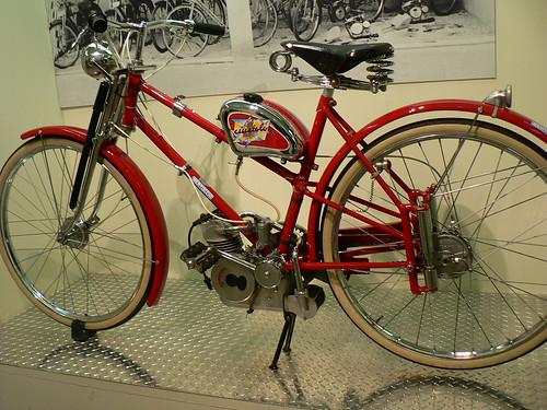 Moto con motor Ducati