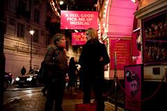Pick me up (Maciej Freudenheim) Tags: street london night canon iso800 candid 5d 35l