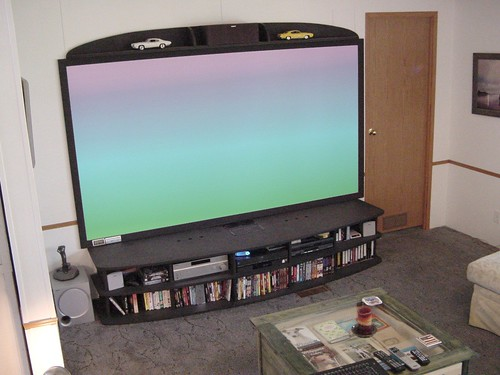 MCE bigass HDTV projector DIY project