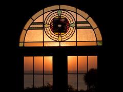 P1040267 (kahmac) Tags: isleofwight wight shanklin sunrise sea horizon sun marinevilla