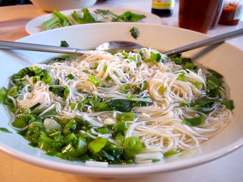 """Cooked: Mama: """"rice vermicelli clear soup"""""""