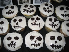 Our last-minute Day of the Dead cupcakes. (11/01/07)