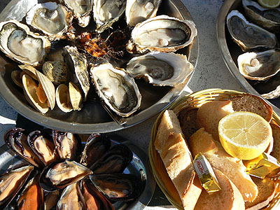 assette de fruits de mer à Bouzigue.jpg