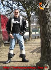 En ciré caoutchouc noir & cuissardes caoutchouc Shorefisher (pascal en bottes) Tags: boots goma rubber pascal wellies gummistiefel bottes botas gumboots gomma caoutchouc stivali stovlar