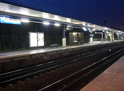 Gare de banlieue