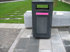 Pink! (justinep) Tags: pink edinburgh bin rubbish guessed quartermile lauriston whereedin chrisdoniawon