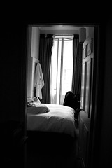 la chambre (*Katch*) Tags: bw london window flat room frame plus contrejour infinestyle adoublefave bwartawards goldstaraward
