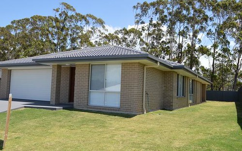 5 Humpback Crescent, Safety Beach NSW 2456