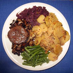 mushroom, red cabbage, stringbeans, fried pota...
