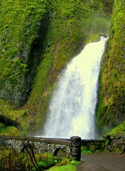 Wahkeena Falls (Erik Hovmiller) Tags: bridge green water oregon river columbia hike falls gorge wahkeena naturesfinest