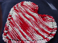 Bordered Heart-shaped Dishcloth