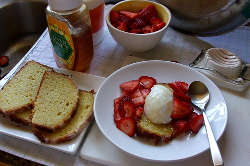 breakfast assembly