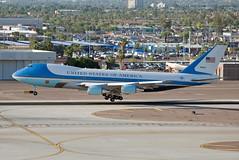 "boeing vc-25a ""air force one"" (Matt Ottosen) Tags: arizona sky phoenix america airplane one harbor nikon force aviation air united unitedstatesofamerica vip airforceone states boeing airforce executive obama hussein phx skyharbor barack d90 vc25 kphx barackhusseinobama"