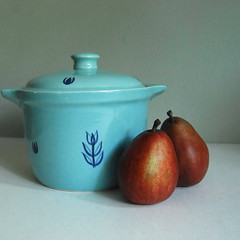 Cronin Blue Tulip Bean Pot, 1950s (calloohcallay) Tags: blue kitchen vintage hall housewares retro 1950s ap tulip homedecor crock cronin beanpot calloohcallay