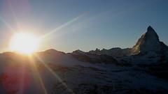 Matterhorn (VS/I - 4`478m) bei Zermatt , Kanton Wallis , Schweiz (chrchr_75) Tags: sunset sun mountain mountains alps sol nature berg de landscape schweiz switzerland soleil tramonto sonnenuntergang suisse swiss natur coucher berge ralf gornergrat mountaineering  zermatt matterhorn monte alpen christoph svizzera 0711 puesta landschaft sonne mont wallis valais snowboots cervin   cervino schneeschuhe montecervino kanton sunne chrigu  montcervin schneeschuhwanderung breidenbach chrchr  kantonwallis hurni sunneungergang chrchr75 chriguhurni albumunterwegsindenwalliseralpen