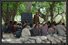 La classe des garons (Laurent.Rappa) Tags: voyage travel school portrait people afghanistan face children child retrato scene afghan childrens laurentr enfant ritratti ritratto ecole vie regard peuple schoolboys peulpe laurentrappa