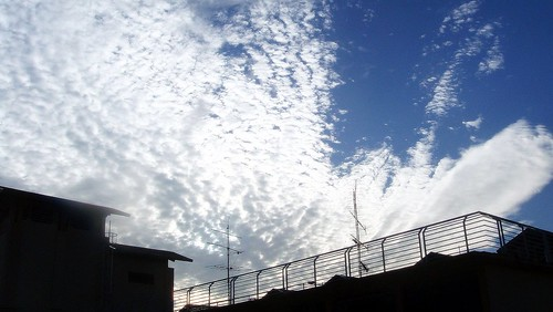 Beautiful patterns in the sky, the clouds are drawings