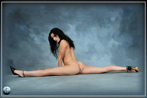 nude-contortionist-006