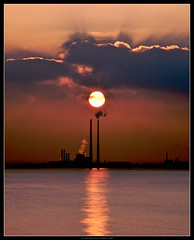 Dublin Bay Winter Sunset (fileacn) Tags: ireland winter sunset sea chimney howth dublin sun water canon bay dusk 5d peninsula powerstation poolbeg philipmilne feileacan grianghrafadoireacht