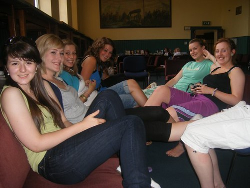 girls in common room