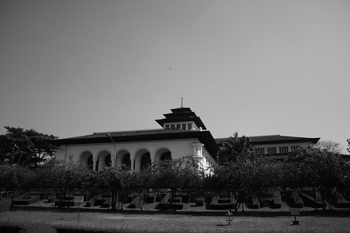 Gedung Sate right view