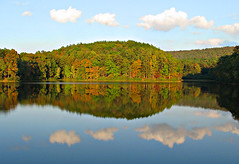 Oak Mountain Autumn Begins (Southernpixel - Alby Headrick) Tags: light usa fall photography birmingham alabama naturallight handheld thesouth lastlight alby alabamathebeautiful southernpixelcom albyus albyusblog