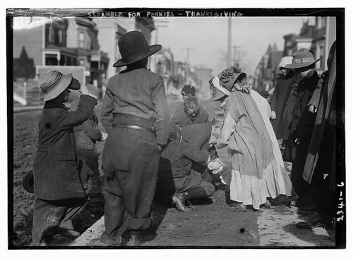 Scramble for pennies, Thanksgiving (LOC)