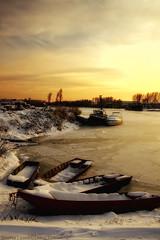 Trapped (darkves) Tags: sunset sun snow landscape boats wind blow danube sneg banat dunav ravnica rukavac kovin dunavac megashot pejza koava zimovnik darkoveselinovic