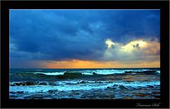 El cielo sobre las olas 1 (Fotgrafo-robby25) Tags: sea costa clouds coast mar rainbow playa nubes storms reefs wests ocasos dawns tormentas surges oleajes ocasosyalboradas nubestormentasyarcoiris torreviejaylamata marcostayplayas