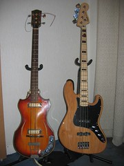 2008 01 - Basses - Klira & Squier Jazz Bass (hl78mlr) Tags: bass jazz klira