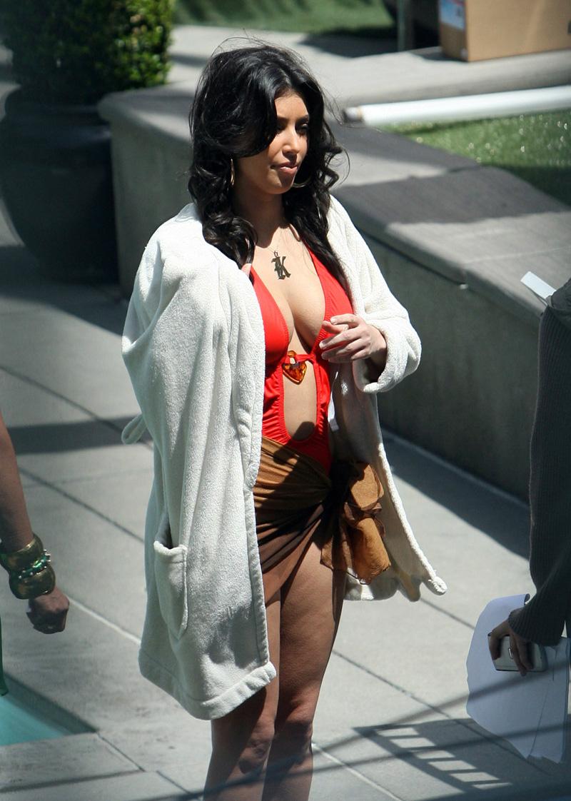kim kardashian bikini photos