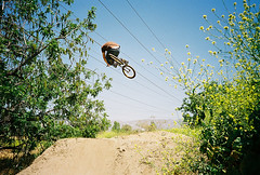 KEITH MULLIGAN (Nuno_Oliveira) Tags: film lomo lca bmx trails dirt tuck nosedive keithmulligan