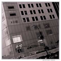 Girl's fav. on 5th av. (Frederic-JG) Tags: nyc bw usa building manhattan buildingdetail squarepicture fredericjg fredericblanque fredericjgcom