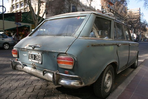Another cute car in Mendoza...