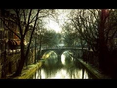 The Light under the Bridge ((Erik)) Tags: bravo utrecht kade cinematic merrychristmas gracht oudegracht werf breitner filmisch magicallight magicdonkey winterlicht quitedark infinestyle thegardenofzen erikvanhannen utrechtart thelightunderthebridge howfarcanyoulook sureaddanote