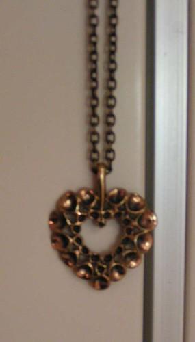 Halsband från kalevala Koru.