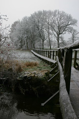 Is Winter Coming? ([klauspeter]) Tags: canon frost december 300d path digitalrebel veerse 2007 scheeel klauspeter bartelsdorf kirchsteg