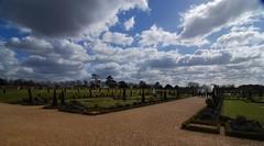 Hampton Court Formal Garden (mahteetagong) Tags: england clouds court garden nikon europe formal tokina hampton 1224mmf4 d80