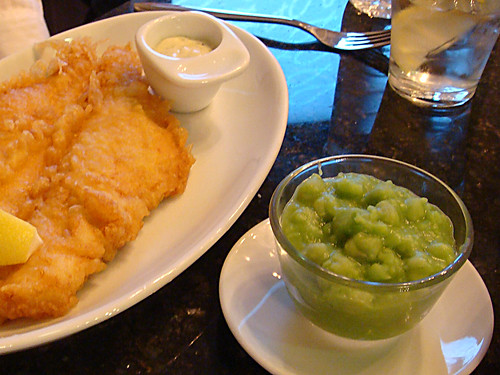 Mushy peas at the Tailend Fish Restaurant and Fish Bar, Albert Place, Edinburgh by www.theedinburghblog.co.uk.