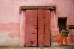 Marrakech (Lars@Fotogenerell) Tags: rot marrakech marocco travel doors canon canon50d sigma 24105mm f4 dg os hsm lens
