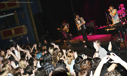 10.06 Klaxons @ Vic Theater (16)