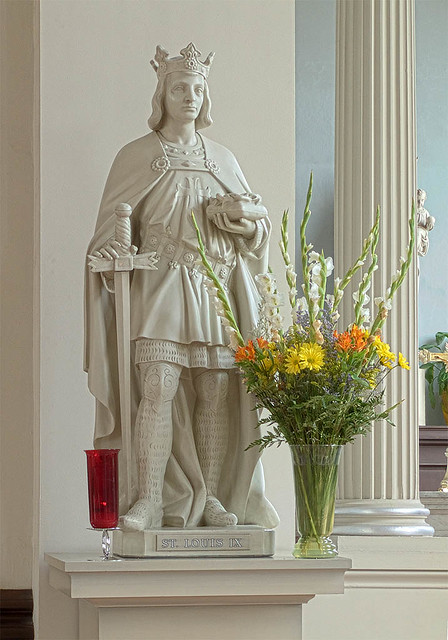 Basilica of Saint Louis, King of France, in Saint Louis, Missouri, USA - statue of Saint Louis IX.jpg