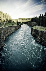 Miles Canyon (eyebex) Tags: sky cliff water delete10 flow save4 yukon flowing whitehorse yukonriver 410 milescanyon
