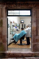 Businessman's cut needs tightening? (Barber7) Tags: haircut chair traditional barbershop barber cape clippers