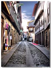Guimaraes_rua_Egas_Moniz (vmribeiro.net) Tags: street portugal rua guimarães moniz egas mywinners aplusphoto ilustrarportugal