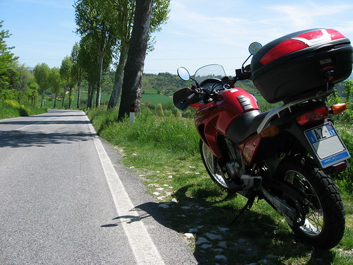 Sulla SS68 nei pressi di Castel San Gimignano