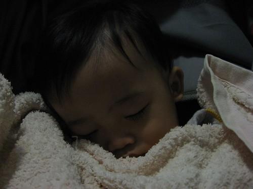 終於睡著了