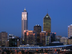 Standing tale (kees straver (will be back online soon friends)) Tags: city skyline nightshot australia perth downunder australie keesstraver